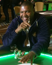 Lincoln Kennedy at a Dream Dealer charity poker tournament